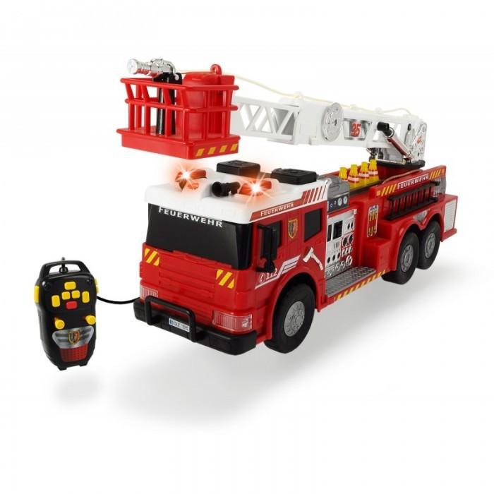 Dickie Пожарная машина на д/у 62 смПожарная машина на д/у 62 смПожарная машина от Dickie работает при помощи дистанционного управления.   Красивая пожарная машина, выполненная в виде копии настоящей противопожарной автотехники.  Пульт ДУ руководит движением автомобиля, направляя его в любую из четырех сторон, а так же подъемом и спуском стрелы и ее длинной.  Автомобиль оснащен водной помпой с функцией разбрызгивания воды.  Пожарная лестница вращается на 360 градусов.  Присутствуют звуковые и световые эффекты в виде мигалок и сирены.  Игрушка изготовлена из прочного пластика.  Размер: 62 см  Работает от батареек 4х1,5V R6 (в комплект не входят).<br>