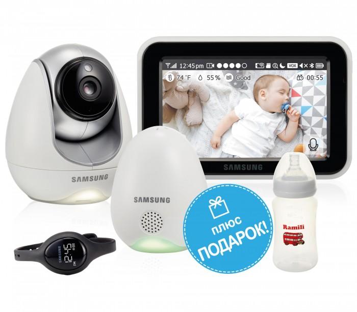 Samsung Видеоняня SEW-3057WPВидеоняня SEW-3057WPSamsung Видеоняня SEW-3057WP оснащена всеми необходимыми функциями для комфортного и безопасного удалённого контроля за ребенком.  Особенности: разрешение камеры 1280x720, 2.4 GHz, 1/4 Color CMOS Image Sensor, горизонтальный угол обзора 55°,  встроенная ИК-подсветка 5 м., поворот 300°/наклон 110°;  сенсорный монитор 12,7 см. (5 дюймов) LCD,  поддержка SD карт,  датчик температуры, влажности, качества воздуха,  встроенный микрофон, динамик,  дополнительный наручный браслет Babyview Watch, удаленный доступ через интернет, бесплатное приложение Baby View для Android и iOS, подключение к домашней сети Wi-Fi, двухсторонняя связь с малышом, возможность крепления камеры на стене.<br>