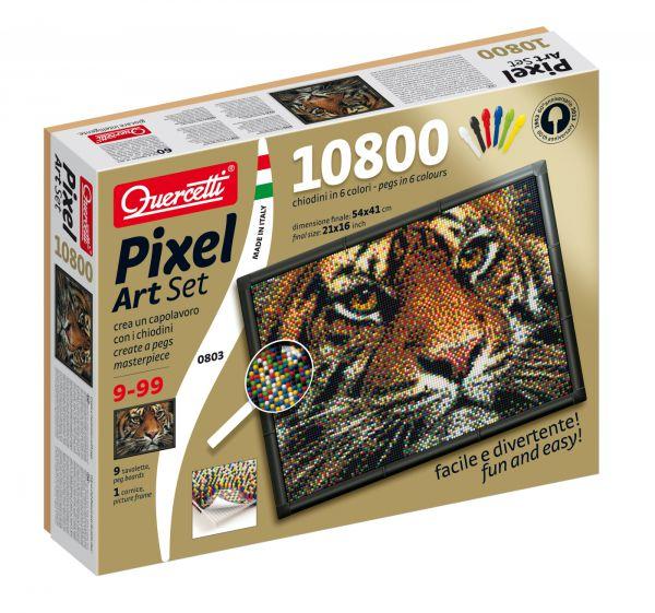 Quercetti Пиксельная мозаика Тигр (10800 элементов)Пиксельная мозаика Тигр (10800 элементов)Создайте поразительное произведение искусства из деталей мозаики! Кладите направляющий лист на наборную доску и вставляйте детали сквозь этот лист, строго следуя цветам квадратиков-пикселей.   В комплекте детали всего лишь 6-ти цветов, но если Вы посмотрите на получившуюся картину с некоторого расстояния, то увидите другие цвета и оттенки, как будто смотрите на фотографию. Таким образом срабатывает принцип пространственного смешения цветов (оптическое смешение цветов, основанное на волновой природе света). Этим принципом пользовались в пуантилизме - направлении живописи, которое появилось в 19 веке. Также этот принцип работает и в печати.  Особенности: высококачественная пластмасса ярких сочных оттенков игрушка предназначена для детей от 10-ти лет поможет ребенку развить координацию движений и мелкую моторику в комплекте 10800 деталей 6-ти цветов, 9 соединяющих плат, 1 фоторамка, 9 шаблонов карт, 1 плакат, инструкции пластиковые элементы можно мыть упакована в красочную коробку<br>