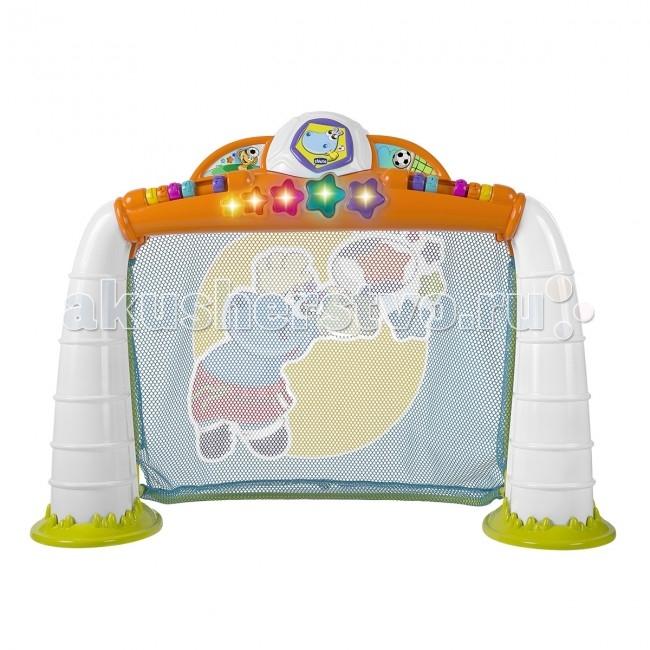Игровой центр Chicco Goal LeagueGoal LeagueУвлекательная спортивная игра линии Fit&Fun, в которую ребенок может играть сам или с друзьями. Как только малыш забивает гол в ворота, активизируются забавные световые и звуковые эффекты.  Есть возможность выбрать один из трех режимов игры (пенальти, золотой мяч или соревнование).  Режим Пенальти: каждый раз, когда ребенок забивает гол, звучит мелодия, и на перекладине загорается звездочка. После 5 забитых голов звучит веселая музыка, предлагая малышу поиграть снова. Режим Золотой гол: ребенок должен попытаться забить гол за определенное время. Отсчет времени сопровождается звуковыми эффектами. Звездочки постепенно гаснут по истечении времени. Предусмотрено 5 уровней игры. Забив гол, игрок переходит на следующий уровень, в котором время для взятия ворот сокращается. Режим Посоревнуйся с другом: ребенок может посоперничать с другом или родителями. По бокам перекладины находятся цветные колесики с цифрами, которые помогут следить за счетом и определить победителя.   Также можно выбрать один из пяти уровней сложности для захватывающих увлекательных матчей. Игра сопровождается 25 мелодиями и звуковыми эффектами.  Для дополнительной безопасности на воротах есть сетка. На воротах есть маленькие цилиндры с нумерацией, с их помощью можно вести счет для двух игроков.   Мяч изготовлен из мягкого материала, им можно не только забивать голы, но и играть отдельно.  Игра развивает моторику, координацию и точность движений.<br>