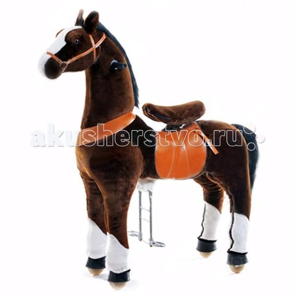 Каталка Ponycycle Чернобурка профессиональная средняя РА4152Чернобурка профессиональная средняя РА4152Каталка Ponycycle Чернобурка профессиональная средняя РА4152 - удивительная игрушка, которая позволит Вашему малышу ощутить себя настоящим наездником.  Лошадка полностью механическая, она не требует ни батареек, ни аккумуляторов. Для того, чтобы лошадка поехала, нужно сесть в седло, а затем садиться и привставать, опираясь на педали-стремена.  Чем активнее малыш будет садиться и привставать в седле, тем быстрее поскачет лошадка.  Лошадка может ехать не только прямо. Она может совершать плавные повороты. За ушами лошадки есть деревянные рукоятки-держатели, малыш поворачивает их как руль велосипеда, и лошадка движется направо или налево, может совершить разворот. Назад Чернобурка не едет, чтобы иметь возможность взбираться в горку и не откатываться (стопором служит стальной хомут, который не дает колесу прокручиваться назад).  Мягкая плюшевая шерсть, роскошная грива, удобные рукоятки и седло приведут в восторг юного всадника.  Отличия усиленной модели для проката от бытовой модели для домашнего использования: мех усиленной модели имеет больше молний, позволяющих снять его для чистки внутренний каркас усиленной модели выполнен из стали большей толщины, чем каркас бытовой модели корпус усиленной модели выполнен из армированного стекловолокна и поролона, у бытовой – из пенопласта усиленные модели оснащены более износоустойчивыми колесами усиленная модель имеет регулировку высоты педалей (2 положения), у бытовой модели педали зафиксированы в одном положении противооткатный механизм усиленной модели заложен внутри барабана самого колеса, у бытовых моделей эту функцию выполняет стальной хомут, который не дает колесу прокручиваться назад усиленная модель выполнена из более износостойких материалов, поэтому имеет больший вес, чем бытовая модель механизм, приводящий в движение лошадку, работает по другому принципу и более износоустойчив.  Важно: Не оставляйте детей без присмот