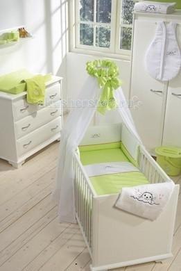 Балдахин для кроватки Anel Joupy LimoenJoupy LimoenГолландская компания Anel была организована в Амстердаме в 1975 году. С первых коллекций компания специализировалась на производстве высококачественных постельных принадлежностей для детей. Современный дизайн и цвета постельного белья украсят комнату малыша и доставят удовольствие молодым родителям при оформлении детской комнаты.  Полог для кроватки Joupy Limoen Anel создаст уютную обстановку, ваш ребенок будет укрыт великолепным балдахином от раздражающих воздействий и насладится волшебными сновидениями.   Характеристики: изготовлен из высококачественного хлопка соответствие международным стандартам гипоаллергенные материалы крепится на штангу, регулируемую по высоте и устанавливаемую на пол можно стирать в стиральной машине<br>