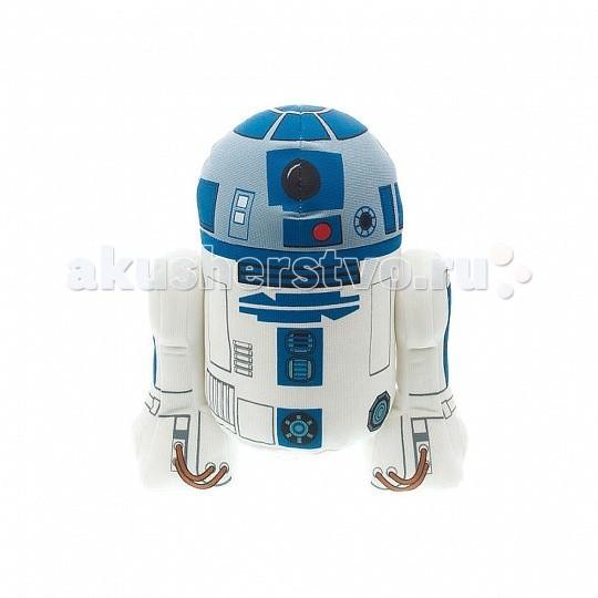 Мягкая игрушка Star Wars Р2-Д2 плюшевый 38 см со звукомР2-Д2 плюшевый 38 см со звукомИгрушка StarWars Р2-Д2 плюшевый 38 см со звуком  Оригинальная мягкая игрушка Р2-Д2 из серии StarWars выполнена в виде героя нашумевшей киносаги Звездные войны!  R2-D2 — астромеханический дроид и коллега C-3PO в вымышленной вселенной.Он один из немногих персонажей, который появлялся во всех шести фильмах «Звёздных войн» без изменений во внешнем виде и манеры разговора.   R2 обладает множеством инструментальных приспособлений, позволяющих ему быть величайшим механиком космических кораблей и специалистом по взаимодействию с компьютерами. Герой довольно часто бросается в опасные ситуации без раздумий. Эта любовь к авантюризму спасает всех в дни многочисленных происшествий, что приводит к изменению истории галактики.  Игрушка ростом 38 см издает различные оригинальные звуки и фразы из кинофильма.<br>