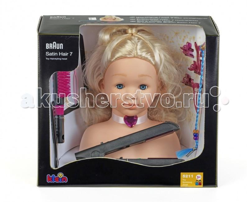 Klein Модель для причесок с утюжком для выпрямления воолос BraunМодель для причесок с утюжком для выпрямления воолос BraunBRAUN Модель для причесок с утюжком для выпрямления воолос.  Девочки всегда и во всем стараются быть похожими на свою маму. Они с удовольствием примеряют любимые мамины туфли, красят губы самой дорогой помадой и без раздумий выливают на себя полфлакона маминых духов. А еще девочки обожают украшения, и здесь нет предела фантазии, потому что любое украшение можно сделать своими руками, подключив свое воображение и мамину помощь. Специальные наборы для изготовления украшений позволяют бесконечно и безопасно экспериментировать, создавая собственные уникальные изделия на свой вкус.   Вместе с мамой девочка научится подбирать цвет украшений к элементам одежды. К тому же такие наборы позволяют не только удовлетворить тягу к модному и красивому, но и отлично развивают мелкую моторику, дают первые уроки рукоделия и учат девочку терпеливости и аккуратности. На сегодняшний день компания Klein - один из самых крупных европейских производителей развивающих игрушек для детей, несмотря на то, что история компании началась в 1949 году с маленькой немецкой фабрики по производству щеток и метел.   Klein насчитывает около 21 серии товаров в своем ассортименте: функциональные игрушки, имитирующие кухонную технику и инструменты; тематические игровые наборы Домашнее хозяйство, Магазин, Кухня, Доктор, Исследователь-путешественник, Верстаки, Пожарный и т.п.; а также действующая бытовая техника, которая создана по дизайну известных мировых брендов. Производства компании размещены в Германии, Китае и Чехии. Все игрушки изготовлены из высококачественной и экологически чистой пластмассы. Модель для причесок с утюжком Braun для выпрямления волос Klein - это все, что нужно начинающему парикмахеру.  С помощью удобного манекена из винила можно научиться создавать различные прически, ухаживать за волосами расчесывать, мыть, украшать их с помощью всевозможных заколочек. У манекен