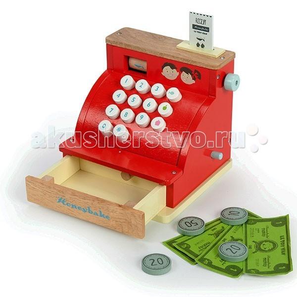 LeToyVan Игровой набор КассаИгровой набор КассаLeToyVan Игровой набор Касса.  Игровой набор Касса для мальчиков и девочек от 3 лет. Мы предлагаем вашему вниманию новинку от английской компании Le Toy Van - кассовый аппарат с деньгами для игр с едой и в магазин. Размер 16,5 х 14,5 х 16,5 см.Может показаться, что в наш век электронных платежей навыки обращения с кассовым аппаратом не пригодятся. Но, это не так. Играя в магазин, ребенок может быть как покупателем, так и продавцом. Он приобретает опыт живого общения, понятие о весе, мере и количестве, умение считать и вычислять .  Кассовый аппарат из дерева ярко-красного цвета оснащен выдвижным ящичком для денег, который открывается, если нажать кнопку. На передней панели 14 белых кнопок с цифрами и символами продуктов. Слева в верхней части виден цилиндр с изображением основных товаров: цветы, рыба, пирожное, фрукты, яйца - это символический чек. Цилиндр можно вращать вручную при помощи колесика справа, тем самым меняя продуктовую козину покупателя.  В комплект входит деревянная пластина — карта. Она вставляется в специальную прорезь в верхнем торце. И набор денег: 4 бумажные купюры и 4 монеты достоинством 10, 2 по 20 и 50. Диаметр монет 3 см.Игрушка станет замечательным и практичным подарком для любого ребенка старше 3 лет. Подходит для игры с продуктами, игрушечной едой, а также в магазин или для любой другой сюжетной игры, где требуется оплата за товар или услугу.  Игровой набор Касса: яркий и функциональный кассовый аппарат, размером 16,5 х 14,5 х 16,5 см деревянная пластина - карта удобные большие кнопки 4 бумажные купюры 4 монеты достоинством: 10, 2 по 20 и 50 ящик для денег сделан из дерева красивая подарочная упаковка.<br>