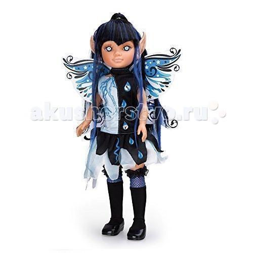 Famosa Кукла Нэнси волшебная феяКукла Нэнси волшебная феяКукла Famosa Нэнси волшебная фея - модница Нэнси готова к празднику! Ей нравится отмечать Хэллоуин и наряжаться в костюмы, чтобы раз в году почувствовать себя сказочным персонажем.   Каждый из нарядов куклы имеет ряд особенностей и покоряет своей красотой: за спиной у Нэнси есть крылья, украшенные светящимися в темноте элементами, а ее волосы легко заплетаются в различные прически. Можно изменить разрез глаз куклы с помощью наклеек, а остроконечные ушки сменить на обычные. Импровизируйте и создавайте уникальный образ для своей куклы!   Игра развивает логические навыки, воображение и мелкую моторику.   Высота куклы: 43 см<br>