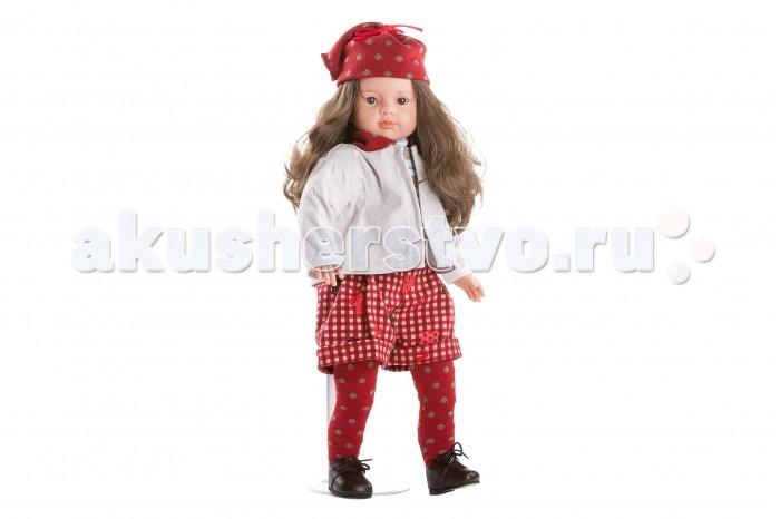 Dnenes/Carmen Gonzalez Паула в белом жакете и красных шортах 52 смПаула в белом жакете и красных шортах 52 смБольшая и привлекательная кукла-девочка испанского производителя традиционных кукол для детей Dnenes. Высота куклы - 52 см.  Паула одета в вязаный свитер голубого цвета, шорты из красной клетчатой ткани с орнаментом и светлый жакет. У свитера короткие рукава и воротник-стоечка. Шорты имеют широкий пояс, манжеты и застежку - «липучку» на спине. У жакета длинные рукава и трикотажный воротничок-стоечка бордового цвета.  На голове модный вязаный колпачок бордового цвета. На ножках одеты трикотажные колготки бордового цвета. Светло коричневые кожаные туфли с золотистой застежкой.  Тело - Комбинированное: твердый винил, мягко набивные вставки Волосы - Каштановые, волнистые, хорошо прошиты Глаза - Серые, стеклянные, обрамлены ресничками, не закрываются Одежда - Высококачественный текстиль. Вязаный свитер голубого цвета, шорты из красной клетчатой ткани с орнаментом и светлый жакет Головной убор - Модный вязаный колпачок бордового цвета Детали - Трикотажные колготки бордового цвета Обувь - Светло коричневые кожаные туфельки с блестящими застежками Дизайн - Изысканный. Детали лица, рук и ножек великолепно проработаны.  Упаковка - Красивая подарочная коробка с прозрачным окошком  Все куклы Carmen Gozalez производятся на заводе в Испании по классической технологии. Технология изготовления кукол из латекса или винила была внедрена в 1940 году, в 1950-х эта технология стала популярна среди известных кукольных брендов по всему миру. Все куклы изготавливаются по уникальным пресс-формам с применением ручного труда. Каждая кукла хранит в себе тепло рук мастера.  Компания Dnenes очень гордится качеством своих кукол, компания неоднократно получала престижные награды на международных выставках, имеет европейские сертификаты безопасности. К особенностям испанских кукол Carmen Gonzalez стоит отнести и тот факт, что куклы не имеют запаха, который многими производителями заглушается