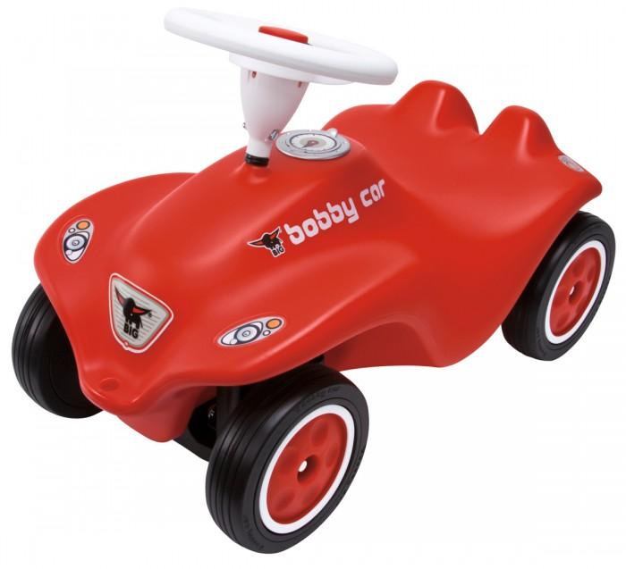 Каталка BIG Bobby Car RotBobby Car RotКаталка BIG Машинка Bobby Car Rot  Представляет собой обновленный вариант классической машинки Fulda Bobby Car   Особенности:    С обеих сторон у машинки имеются крепления, поэтому к ней можно привязать веревочку, чтобы катать ребенка, а сзади прицепить прицеп.   Машинка имеет руль с пищалкой, с помощью которого возможно поворачивать передние колеса.   Компактная и интересная игрушка обязательно понравится Вашему малышу и станет для него   Изготовлена из прочного высококачественного пластика  Широкие прорезиненные колеса придают устойчивость машинке  На руле расположен клаксон-пищалка<br>