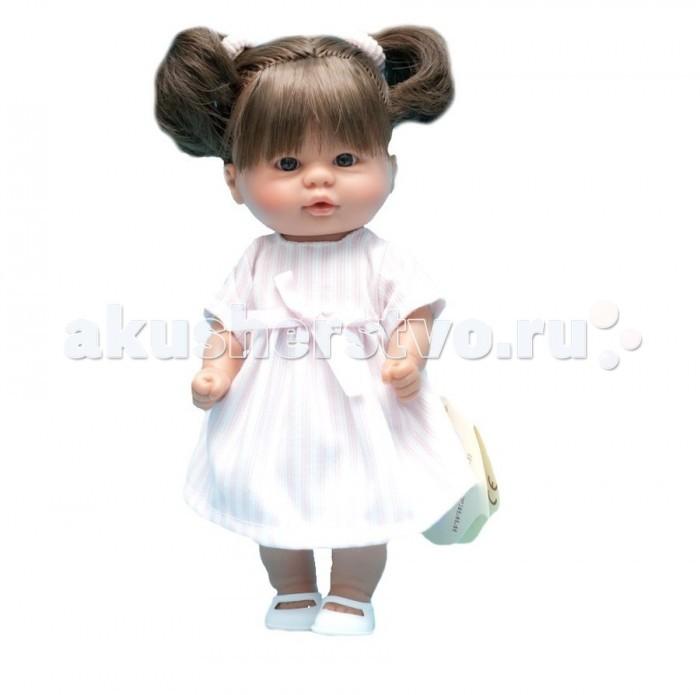 ASI Пупсик 20 см 112310Пупсик 20 см 112310Кукла ASI Пупсик 1123100 сделан очень качественно: густо прошитые темные волосики, собранные в хвостики, проработанные мельчайшие детали, выражение лица.  Девочка одета в розовое платьице с бантиком и туфельки. Играть с такой малышкой - одно удовольствие.  Особенности: Пупсик ASI сделан очень качественно.  Без запаха.  Производство Испания. Используется безопасный твердый винил.  Видна прорисовка мельчайших подробностей тела, рук и ног.<br>