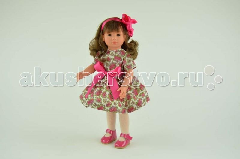 ASI Кукла Нелли 43 см 252450Кукла Нелли 43 см 252450Кукла ASI Нелли 43 см 252450 влюбляет в себя с первого взгляда!  У нее длинные волосики, убранные в хвосты и украшенные настоящими бантами.  Платье, розового цвета, украшено кружевом. Белые носочки и лаковые розовые туфельки дополняют ансамбль.  Кукла Нелли выглядит как настоящая девочка! Вот почему с ней так интересно играть!  Ее рост 43 см. Сделана кукла из плотного и очень приятного на ощупь винила, приближенного к натуральному цвету кожи.  Особенности: Пупсик ASI сделан очень качественно.  Без запаха.  Производство Испания. Используется безопасный твердый винил.  Видна прорисовка мельчайших подробностей тела, рук и ног.<br>
