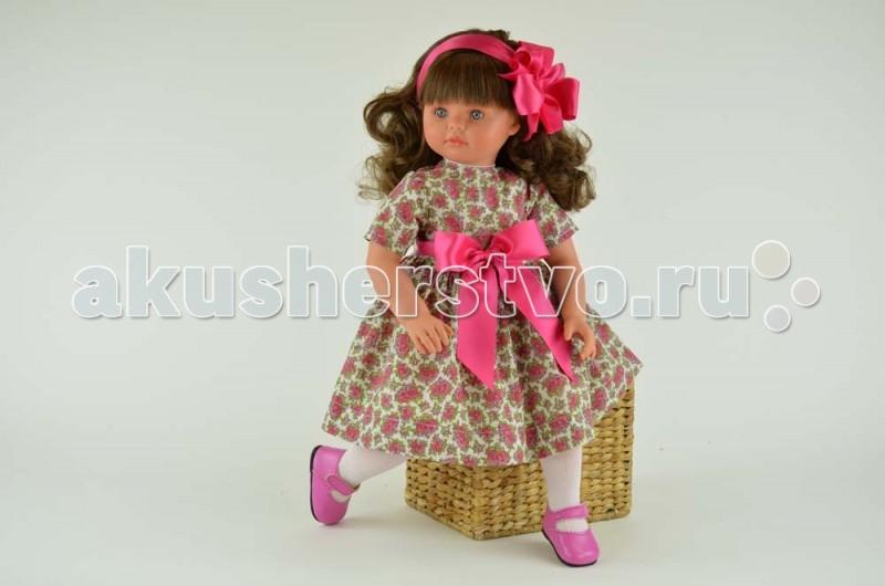 ASI Кукла Пепа 60 см 282450Кукла Пепа 60 см 282450Кукла ASI Пепа 60 см 282450, выполнена из винила с мягконабивным телом. С ней очень удобно играть, сажать ее на стульчик, катать в коляске.  Она одета в яркое платье с цветочным принтом, украшенное атласным бантом насыщенного розового цвета.  У этой куклы Пепа длинные густые каштановые волосы, блестящие как шелк, завиты в аккуратные локоны, большие голубые глаза, нежно-розовые губки - из года в год она очаровывает нас!  Куколка, ростом, 60 см выполнена из винила. Тело- мягконабивное. За счет этого кукла принимает естественные позы и практически невесома. Ручки и ножки фиксируются в различных положениях.  Выполнена, как и все куклы испанского Кукольного Дома ASI ограниченным тиражом.  Особенности: Пупсик ASI сделан очень качественно.  Без запаха.  Производство Испания. Используется безопасный твердый винил.  Видна прорисовка мельчайших подробностей тела, рук и ног.<br>
