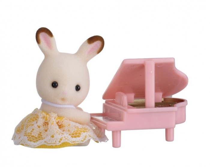 Игровые наборы Sylvanian Families Набор Младенец в пластиковом сундучке. Кролик и рояль sylvanian families набор мама кролик и холодильник