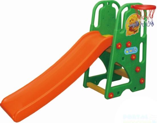 Горка Happy Box с баскетбольным кольцом Винни Пухс баскетбольным кольцом Винни ПухЗамечательная игровая горка с баскетбольной корзиной, которая крепится сбоку.  Горка прочная и устойчивая. Высота регулируется в зависимости от возраста и роста ребенка. Легко разбирается, не требую специального инструмента. Компактна и удобна при хранении и транспортировке. Ваш ребенок с удовольствием будет лазить на горку, и скатываться. Детские товары фирмы Happy Box это отличное сочетание качества и цены! Ваш ребенок не останется равнодушным, а вы всегда будете окружены радостным смехом!   Оригинальный дизайн  Предназначен для детей от 1 до 6 лет  Устойчивая безопасная и прочная конструкция  Высота регулируется в зависимости от возраста и роста ребенка  Горка оборудована баскетбольной корзиной, которая крепится сбоку  Способствует физическому развитию малыша  Гладкая горка оборудована округлыми бортами безопасности  Ступеньки горки имеют шершавую, предотвращающую проскальзывание поверхность  Горка компактна и безопасна для Вашего ребенка  Комплекс легко собирается и разбирается  Горку легко содержать в чистоте, так как может подвергаться влажной обработке  Изготовлена из высококачественных безопасных материалов, предназначенных для производства предметов детской группы.  Размер (Д х Ш х В): 167 х 51 х 103 см. Вес: 10 кг. Количество коробок: 1. Размер в упаковке (Д х Ш х В): 137 х 23 х 61,5 см. Вес в упаковке: 11 кг.<br>