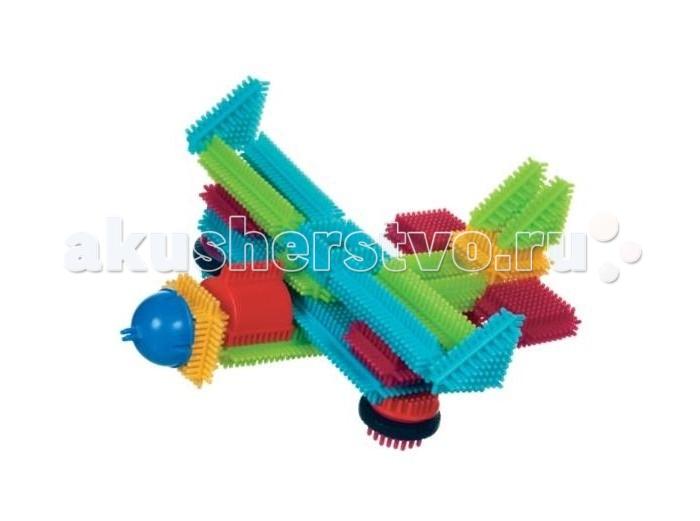Конструктор Bristle Blocks игольчатый в чемоданчике 113 деталейигольчатый в чемоданчике 113 деталейBristle Blocks Конструктор игольчатый в чемоданчике, 113 дет.  Оригинальный игольчатый конструктор Battat Bristle Blocks - тактильный детский конструктор, который позволит вашему ребенку проявить фантазию. Игрушки Battat имеют неповторимый дизайн, максимально безопасны и надежны и, что не менее важно, обладают высоким развивающим потенциалом.  Увлекательный конструктор состоящий из множества ярких щетинистых блоков разной формы, размеров и цветов. Пластиковые элементы легко и быстро скрепляются, при этом обеспечивая прочное сцепление. Ваш ребенок будет часами сидеть за творческой работой, соединяя необычные игольчатые элементы в уникальные сооружения. А дополнительные фигурки помогут развернуть настоящий игровой сюжет.   Комплект включает 104 игольчатых блока и 9 фигурок для сборки конструктора. Конструктор упакован в закрывающийся пластиковый чемоданчик с ручкой, удобный для хранения и переноски. Игольчатый конструктор Battat Bristle Blocks поможет ребенку развить мелкую моторику рук, логическое и пространственное мышление, творческие способности, а также поможет научиться соотносить форму и величину предметов..<br>