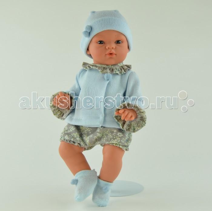 ASI Кукла Коки 36 см 403201Кукла Коки 36 см 403201Кукла, размер 36 см, тело мягконабивное, голова, руки и ноги из винила, без волос, в серо-голубом костюмчике, в комплекте бутылочка, в красивой подарочной коробке.<br>