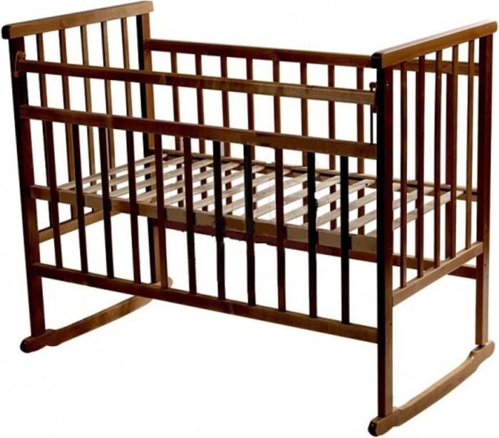Детская кроватка Ивашка Мой малыш 2 качалкаМой малыш 2 качалкаДетская кроватка Ивашка Мой малыш Мой малыш 2 качалка выполнена из экологичных, гипоаллергенных материалов.   Кроватка обладает высоким качеством и комфортом, как для ребенка, так и для родителей. Благодаря современному дизайну и спокойной, мягкой расцветке она впишется в интерьер любой спальни или детской комнаты.  Кровать изготовлена из массива березы Имеются полозья для качания, также можно установить колесики для удобства перемещения кровати по квартире Положение боковой планки регулируется опускающимся устройством Боковая стенка съемная Специальная защитная накладка на бортиках Двойной уровень поддона Днище - реечное<br>