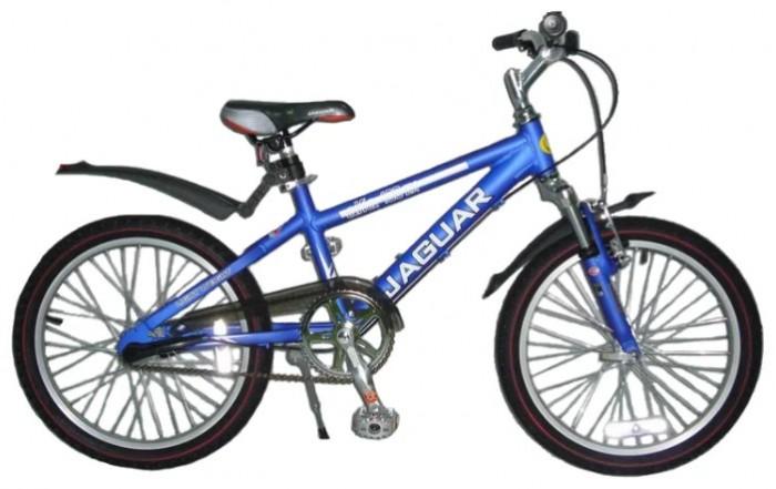 Велосипед двухколесный Jaguar Alfa MS-203Alfa MS-203Велосипед двухколесный Jaguar Alfa MS-203 станет прекрасным подарком для вашего ребенка. Велосипед поможет прекрасно провести время, а также мышцы малыша будут в тонусе. Рекомендовано детям от 6 до 11-ти лет.  Особенности: размер колеса: 20 дюймов алюминевая MTB рама (AL 7005) уменьшает вес велосипеда) пневматические шины с крупным протектором планетарная втулка с 3 скоростями с удобным переключением на руле быстро регулируемое по высоте сиденье быстроcъемное переднее колесо (зажим-эксцентрик) тормоза: передний ручной, задний ножной передний амортизатор пластиковые крылья алюминиевые точеные обода, руль и вынос руля трехкомпонентный шатун подножка (регулируемая по высоте) пластиковая защита цепи светоотражающие катафоты  Длина: 120 см Высота: 65 см<br>
