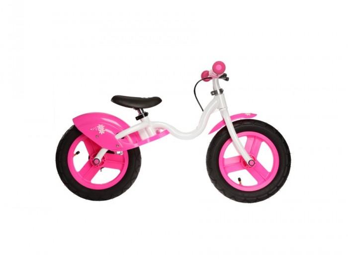 Беговел JD Bug NannyNannyБеговел JD Bug Nanny специально для самых маленьких любителей скорости были изобретены велобеги - это упрощенная форма велосипеда. На велобеге нет педалей, что облегчает ребенку осваивание катания. Во время катания ребенок опирается на обе ноги и сидит на мягком сидении, для развития скорости ему необходимо просто оттолкнуться от земли или выбрать пологий склон.  В процессе езды на JD BUG Nanny ребенок получает удовольствие от быстрой езды и в то же время учится держать равновесие, что значительно упрощает обучение ребенка катанию на двухколесном велосипеде.   На руле установлен ручной дисковый тормоз, который также научит ребенка тормозить, для остановки достаточно нажать рукоятку тормоза на руле. Такая система убережет обувь и ноги юного гонщика от возможных повреждений.  Мягкое сидение не будет причинять дискомфорт ребенку во время долгого катания. Защитные надколесные дуги уберегут ребенка от грязи, летящей из колес велобега, одежда малыша будет чистой даже во время катания после дождя.  Прочная алюминивая рама очень легкая и прослужит не одному поколению малышей, а качественные подшипники не дадут колесам встать раньше чем вырастет Ваш ребенок.<br>