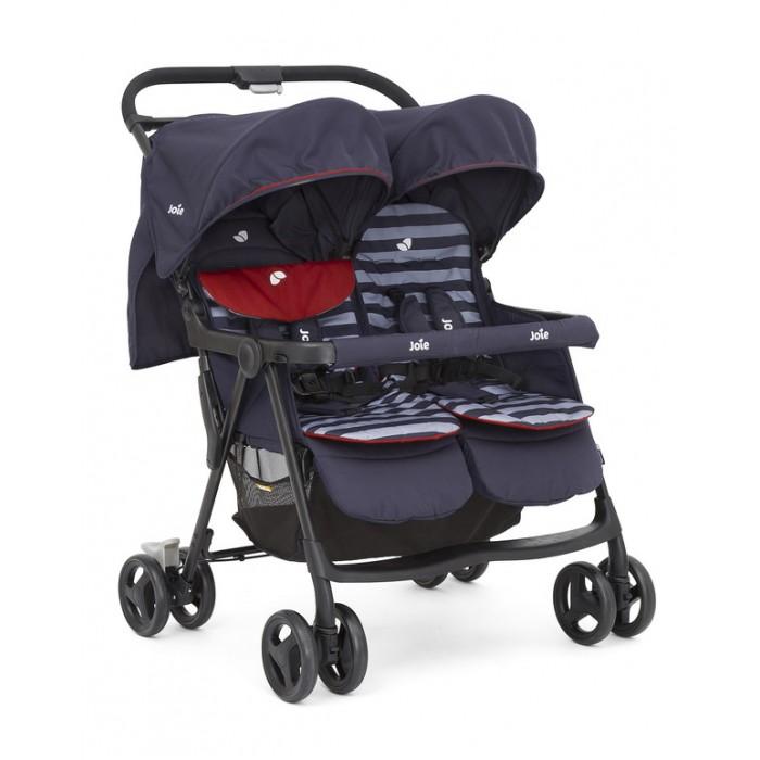 Прогулочная коляска Joie Aire TwinAire TwinПрогулочная коляска Joie Aire Twin стильная и во многих отношениях удобная и сравнительно лёгкая за счет алюминиевой рамы коляска заслуживает аплодисментов. Возьмём хотя бы возможность выбрать цвет вкладыша: розовый или синий – и у каждого малыша будет собственное место. Широкий бампер удобен и надёжен, при необходимости снимается. Тканевые капюшоны достаточно высоко расположены и при этом глубокие; ткань дышащая, антиаллергенная. Все четыре пары колёс манёвренны и едут мягко. Легко и быстро, на раз-два, вы можете сложить это транспортное средство (механизм – книжка). Вот сколько поводов купить детскую коляску для двойни Joie Aire Twin!  Продолжим перечень полезных дизайнерских находок. Благодаря трём положениям регулировки ремней безопасности (они пятиточечные – крепкие и мягкие) вы можете менять силу их натяжения в зависимости от того, сколько одёжек на малышах и насколько они выросли за время пользования коляской. Ручка по высоте не регулируется, но это и понятно: здесь нужна прочность, транспорт-то необычный, двойной – и ценность «груза» двойная. Для шопинг-походов предусмотрена корзина-сеточка – вместительная и удобная.  Итак, усадив двух своих ценных пассажиров в эту суперколяску, распрямите плечи, с удовольствием, смакуя каждое мгновение, вдохните аромат нового прекрасного дня – и наслаждайтесь драгоценными часами прогулки!  Размер в разложенном виде: 80.5 x 76 x 102 см Размер в сложенном виде: 78 x 30.5 x 98.5 см<br>
