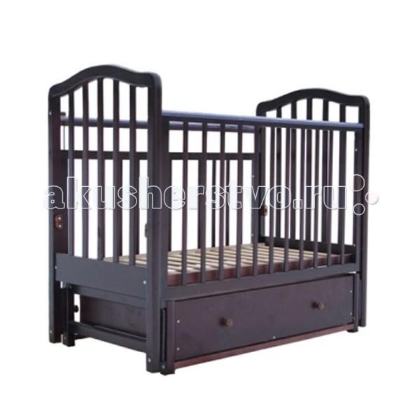 Детская кроватка Лаура 1 маятник поперечный1 маятник поперечныйДетская кроватка Лаура 1 маятник поперечный отличается простотой конструкции. Она легко собирается и разбирается, не занимает много места и в разобранном виде удобна для перевозки.   Кроватка детская Лаура-1 прекрасно подойдет для небольшой квартиры: она компактна и оснащена объемным выдвижным ящиком, который расположен под спальным местом. Все вещи малыша всегда будут на своем месте. Когда кроха подрастет, достаточно снять передний бортик, и кроватка превратится в уютный диванчик. Кроватка детская Лаура-1 – лучший выбор молодых родителей.  Особенности: легка и компактна при транспортировке скругленные углы материал: массив березы покрытие: гипоаллергенные лаки может трансформироваться в диванчик два уровня ложа выдвижной открытый ящик снабжена маятниковым механизмом поперечного качания с фиксатором<br>