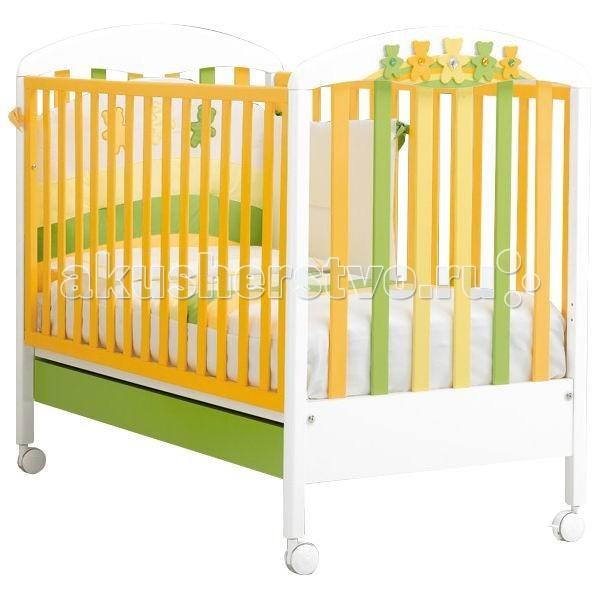 Детская кроватка MIBB AmiciOrsiAmiciOrsiДетская кроватка MIBB AmiciOrsi  Детская мебель известной итальянской компании Mibb покорит Вас своим изящным внешним видом и высоким качеством сборки. Детская кроватка Mibb выполнена из массива бука.  Благодаря применению этого экологически чистого и прочного материала изделие сохранит первозданный вид и прослужит не одно десятилетие. Все детали кроватки имеют идеально отполированные поверхности. Они обработаны нетоксичными лаками и красками. Высококачественное покрытие, которое обладает защитными и декоративными свойствами, устойчиво к внешним воздействиям.  Лакокрасочные материалы, не вызывающие аллергические реакции, безопасны для здоровья вашего ребенка. Глянцевое покрытие защитит нежную кожу малыша от заноз.  Кроватка Mibb не имеет острых углов, что значительно повышает безопасность эксплуатации кровати. Ваш кроха не получит ни ушибов, ни ссадин.   Детская кроватка Mibb оборудована четырьмя колесами, два из которых оснащены фиксаторами. Колеса помогают перемещать кроватку по комнате, а фиксирующий механизм делает неподвижной.   Ложе кровати из буковых ламелей можно отрегулировать в двух положениях по высоте. Спроектирована таким образом, что переднюю стенку можно опустить. Фасады кроватки сделаны из ламинированного МДФ.  В кроватке Mibb есть вместительный ящик для хранения белья и предметов, необходимых в процессе ухода за малышом.   Кровать Amici Orsi создана для приятного ночного отдыха и веселого бодрствования малыша. Ее привлекательная расцветка займет внимание пробудившегося ребенка еще на некоторое время и непременно поднимет ему настроение.<br>