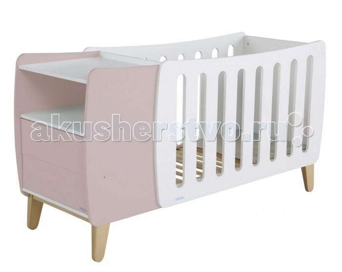 Детская кроватка Micuna Harmony Plus Relax 120x60Harmony Plus Relax 120x60Детская кроватка Micuna Harmony Plus Relax 120x60   Micuna Harmony: новый взгляд на привычные вещи   Для тех, кто любит всё необычное и готов экспериментировать при оформлении детской комнаты, испанские дизайнеры Micuna предлагают новую кроватку Harmony. Micuna Harmony – это современный подход к интерьеру, необыкновенно стильное и функциональное решение. Кроватка-трансформер в первые месяцы жизни малыша станет для него уютной колыбелькой – в маленьком пространстве новорождённые чувствуют себя значительно комфортнее, чем в детских кроватках стандартных размеров. Удобная тумба, в которой можно хранить постельные принадлежности и детские вещи, входит в конструкцию Micuna Harmony. Когда ребёнок чуть подрастает и ему необходимо больше места, тумбочка убирается и становится самостоятельным предметом мебели, а колыбель превращается в полноценную детскую кровать. Micuna Harmony – это современно и удобно.   Кроватки испанской компании Micuna изготавливаются в Валенсии из экологически чистых материалов. В первую очередь, это бук – традиционное дерево для мебели и музыкальных инструментов. Элементы из МДФ – материала, созданного без применения эпоксидных смол и фенола на основе природного полимера лигнина, дополняют конструкцию. Краски и лак, которыми покрывают кроватки, приготовлены из натуральных компонентов и не создают вредных испарений.   Relax: ещё больше безопасности для Вашего малыша   Micuna, стремясь к постоянному развитию, всегда идёт в ногу со временем. Удачное сочетание многолетнего опыта и самых современных разработок позволяет компании Micuna находить новые решения для обеспечения максимальной безопасности и комфорта своих маленьких клиентов.   Не секрет, что в первые месяцы серьёзный дискомфорт малышам доставляет срыгивание после грудного кормления, особенно в период болезни или простуженного состояния. В этих случаях педиатры советуют немного приподнимать матрас – это поможет предотврати
