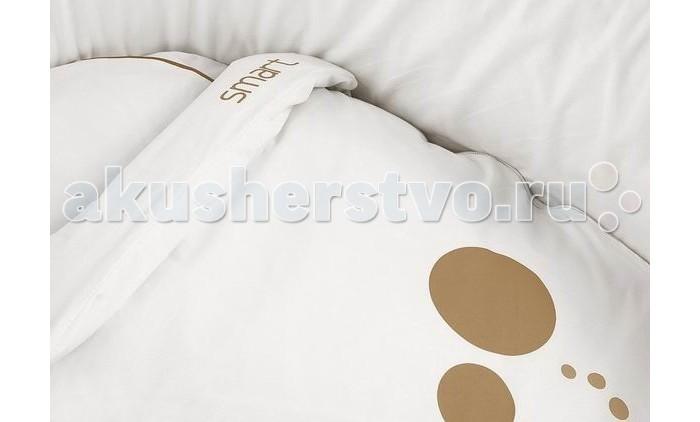 Комплект в колыбель Micuna Smart (3 предмета)Smart (3 предмета)Комплект белья для колыбели Micuna Smart  Натуральный хлопок самой тонкой выделки, мягкий и гипоаллергенный, не раздражающий самую чувствительную детскую кожу – текстильная коллекция Micuna создана специально для малышей. Нежные и приятные на ощупь ткани окутают ребёнка заботой и будут охранять его покой в минуты чуткого сна. Текстильные комплекты и аксессуары выполнены из 100% хлопка, в качестве наполнителя для мягких бортов и подушечек используется холлофайбер. Это полиэстеровое волокно, скрученное в пружинки, более практично и обладает большей теплоизоляцией, нежели полиэстер. Весь текстиль Micuna хорошо стирается и быстро сохнет, что особенно важно в первые месяцы жизни малыша.   В комплект входят: простыня 59х54 см пододеяльник 60х55 см наволочка для подушки 47х23 см<br>