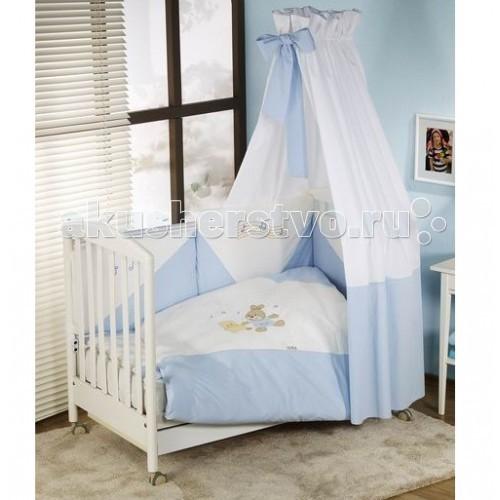 Комплект в кроватку Nino Baile (6B предметов)Baile (6B предметов)Особенности Nino Baile: детское постельное белье было разработано специально для того, чтобы обеспечить новорожденному спокойный сон, так необходимый для правильного развития. Особое внимание посвящено качеству и мягкости хлопчатобумажной ткани. Она характеризуется практичностью в использовании, а также простотой стирки и глаженья благодаря применению совершенной системы Easy Wash, обеспечивающей сохранение первоначальной формы борта.   Материал: 100% хлопок, наполнение - полиэстер  В комплекте 6 предметов:  пододеяльник: 135 х 100 см  наволочка: 60 х 40 см  одеяло: 135 х 100 см  подушка: 60 х 40 см  борт: 195 см (на половину кроватки)  простынь на резинке<br>