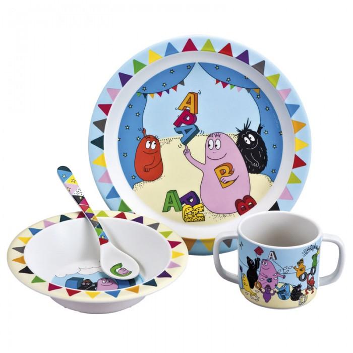 Petit Jour Набор детской посуды BarbapapaНабор детской посуды BarbapapaPetit Jour Набор детской посуды Barbapapa в подарочной упаковке. Ваш малыш будет кушать с удовольствием!   Особенности: набор изготовлен из гипоаллергенного материала 0% фталатов и BPA (бифенол А) на дне тарелки есть веселый рисунок, для того, чтобы ее разглядеть, нужно опустошить тарелку тарелка с нескользящим дном и широкими краями, что обеспечивает ее устойчивость и непроливание пищи глубокая ложечка удобная ручка у ложки идеальна для самостоятельного питания кружка с двумя ручками тарелку и приборы можно мыть в посудомоечной машине  не подходит для использования в микроволновой печи и для горячих напитков  В комплекте: тарелка, глубокая тарелка, ложка и кружечка. В подарочной упаковке.  Размер: ложка 14 см, глубокая тарелка 16 см, тарелка 21 см, кружка 7х9 см<br>