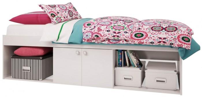 Детская кроватка Polini Simple 3000 с нишамиSimple 3000 с нишамиКроватка Polini Simple 3000 с нишами произведена исключительно в соответствии с европейскими стандартами и нормами безопасности EN 716-2:2008+А1:2013.  Оригинальная модель кроватки представляет собой невысокую конструкцию с подростковым ложем 190 х 90 см., и 3-мя нишами, одна из которых находится за распашными дверками.  Наличие ниш под кроватью позволит разместить большое количество вещей, игрушек и даст возможность поддерживать порядок в детской комнате. Современный классический дизайн в сочетании со спокойной цветовой гаммой изделия создадут уютную обстановку спального места ребенка.  Преимущества: подростковое ложе 190х90 см, материал:ЛДСП Kronospan (Австрия), современный дизайн, соответствует европейским нормам и требованиям, ниши в основании. Возраст: от 3-х лет. Вес ребенка: до 100 кг.  Габариты изделия (ВхШхГ): 510 х 1951 х 956 мм.<br>