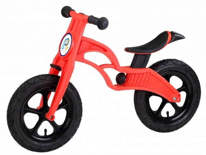 """Беговел Pop Bike детский Flash c надувными колесамидетский Flash c надувными колесамиPop Bike Детский беговел Flash c надувными колесами – это двухколесный велосипед без педалей, предназначенный для детей от 1 года. Его главное преимущество в том, что он позволяет быстрее освоить навык езды, адаптироваться к скорости, научиться балансировать, что очень сложно дается детям в первое время.  Двухколесный велосипед поможет улучшить координацию, ребенок поймет, что требуется делать, чтобы держать равновесие, разгоняться и тормозить. Беговел – это отличная альтернатива традиционному велосипеду с дополнительными колесами, выполняющими функцию страховки от падения. Производитель не снабжает такие модели педалями, так как малышу тяжело их крутить, к тому же они отвлекают его и становятся причиной потери равновесия. На самом деле беговел является не просто удобным для ребенка устройством, но и в достаточной степени безопасным. Так, сам велосипед отличается малым весом, поскольку в конструкции отсутствует подвеска и лишние колеса.   В случае необходимости родители могут взять беговел и понести в руках, если малыш передумал кататься. Любой ребенок перестанет бояться ездить на велосипеде, так как будет чувствовать себя безопасно – этому способствует расположение рамы. Малыш всегда может опереться на ноги, если потеряет равновесие или разгонится слишком сильно. По мере роста ребенка седло велосипеда надо регулировать по высоте.  Особенности: Сверхлёгкая рама и вилка из композитного материала, прорезиненная мягкая пластмасса soft-touch  Рама изготовлена по специальной технологии, благодаря чему она прочнее аналогов на 30%  Ребёнок может сам переносить свой беговел  Прорезиненное комфортное сиденье с лёгкой регулировкой по высоте - для детей ростом от 85 см, на возраст от 2 лет  Мягкие комфортные грипсы с защитными бар-эндами Переднее и заднее мини крыло в комплекте.  Надувные колеса размером 12""""  Простая и быстрая сборка  Все необходимые ключи в комплекте Беговел поставляется в ра"""