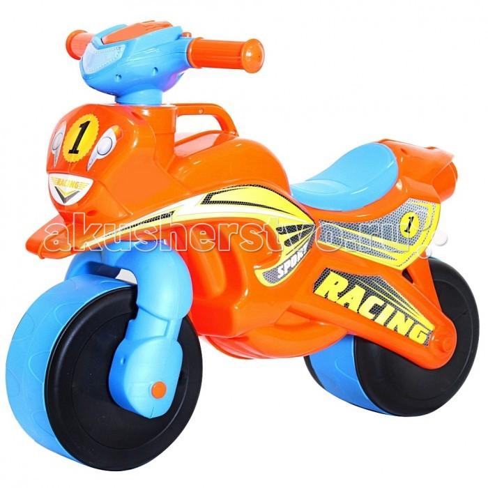 Каталка R-Toys MotobikeMotobikeПервый беговел для малышей. Яркий дизайн и аэродинамические формы этого беговела оценят стильные родителям и их дети.   Благодаря своей удобной конструкции кататься на этой каталке смогут даже самые маленькие дети от 18 месяцев. Польза беговелов для детей давно доказана. Каждый малыш от 18 месяцев должен начинать знакомиться с транспортом со своего первого беговела.   Езда на беговеле позволит малышам получить первые навыки управления транспортом. Широкие колеса обеспечивают устойчивость беговела.   Безопасность - 10 баллов. Руль имеет эргономичную форму и позволяет безопасно управлять каталкой.  Уникальность беговела в том, что угол поворота руля сделан таким образом, чтобы быть безопасным в использовании. Грамотно продуманный угол поворота (неполный), что дает малышу безопасное маневрирование и безопасно поворачивать, не позволяя беговелу перевернуться.  Проходимые колеса предназначены для любых дорог.  Эргономичное сиденье шириной 12 см - малышу будет очень удобно.  Уникальная разработка инженеров - ручка для переноски. Это очень удобно.  Изготовлено из высококачественного и экологического пластика по самым современным европейским технологиям.  Максимальная нагрузка - 30 кг.  Размер беговела 67х52х32, высота сиденья 31 см<br>