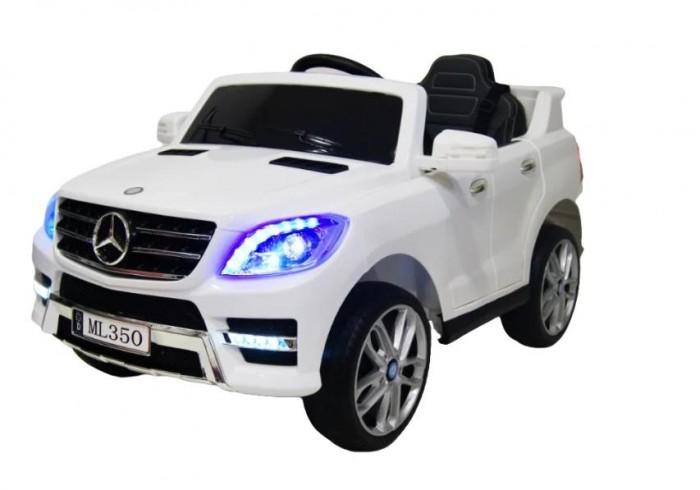 Электромобиль RiverToys Mercedes-Benz ML-350Mercedes-Benz ML-350Электромобиль RiverToys Mercedes-Benz ML-350 – это точная копия настоящего автомобиля, которая выделяется своими объёмными формами, реалистичностью и функциональностью.  Папы же, по настоящему оценят мощь ML-350 в условиях дачного бездорожья. Высокий ход при максимальной нагрузке и возможность преодоления дорог из грунта, гравия, газона или ухабов - благодаря двум моторам и большим протекторным колёсам для электромобиля Mercedes ML-350 нет никаких преград.  Особенности: Световые эффекты: диодная подсветка передних, задних фар (свет вкл/выкл отдельной кнопкой), подсветка панели приборов Звуковые эффекты: музыкальный руль - звук клаксона/мелодии заводские  Пульт управления: индивидуальный (настраивается по Bluetooh) Амортизаторы: да, передние, задние Колеса: каучуковые низкопрофильные  Скорость: Скорость вперед (плавный ход), одна назад.   Сидение: кожаное, 3-х точечный ремень безопасности.  Включение: кнопка Двери: открываются Медиа-панель: USB-вход, вход для MP3, microSD-вход Принцип-чемодана: ручка сзади, передвижение на передних колесах Аккумулятор: 12V/4,5Ah Редуктор: 2*12V<br>
