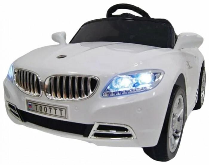 Электромобиль RiverToys Mercedes T007TTMercedes T007TTЭлектромобиль RiverToys Mercedes T007TT - отличный выбор для маленького покорителя дорог. Он с первых секунд завладеет вниманием малыша, а в дальнейшем, ребенок просто не захочет расставаться с любимой игрушкой.  Движение электромобиля сопровождается различными звуковыми и световыми эффектами, которые добавляют езде на нем реалистичности. Панель приборов подсвечивается. Благодаря амортизаторам, низкопрофильным каучуковым колесам, которые обеспечивают машине плавный ход, катаясь на этой машине, малыш будет защищен от травм, а сам процесс катания принесет ему массу удовольствия.   Особенности: Детский электромобиль предназначен  для детей от 1 до 7 лет Два аккумулятора: 6V/4A Два мотора по 35W Максимальная нагрузка до 30 кг Одно посадочное место, оснащенное ремнём безопасности Каучуковые низкопрофильные колёса Пульт (Bluetooh) дистанционного управления для родителя (можно полностью управлять машинкой) действует на 30 м +-5 м Пультом можно полностью контролировать езду ребенка (остановить, изменить направление движения, поворачивать) Наличие звуковых и световых эффектов Две скорости вперёд и одна назад Подсветка современной панели приборов Открывающиеся двери Плавный ход Передвижение по принципу чемодана Пластмассовое мягкое сидение<br>