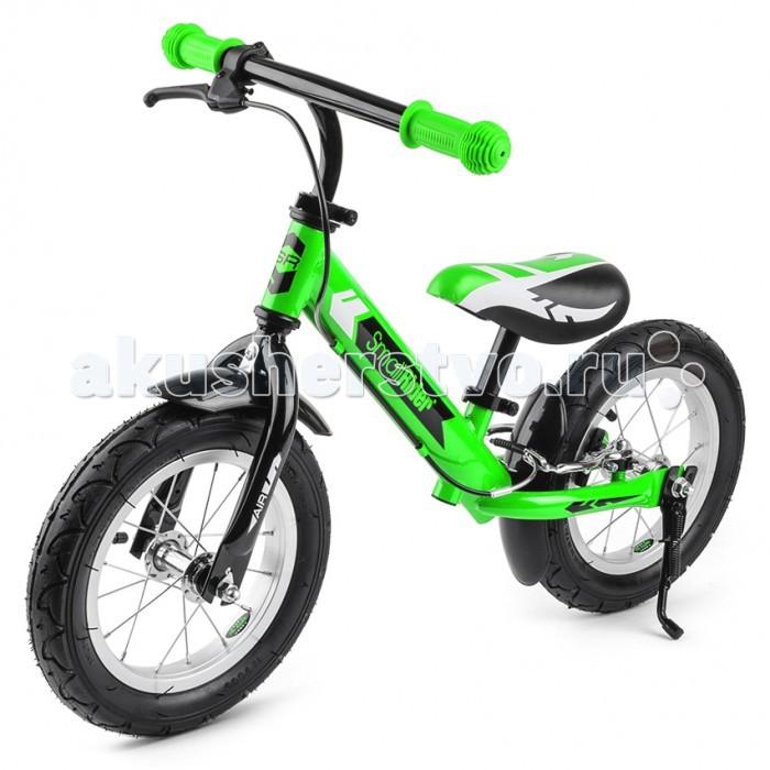 """Беговел Small Rider Roadster AirRoadster AirДетский беговел Small Rider Roadster AIR - новая элитная модель беговела, имеющая исчерпывающий набор необходимых малышу функций, предназначенная для детей от 3 до 5 лет.  Богатый набор опций, элитный внешний вид. Этот беговел """"может все"""". Его внешний вид поражает своей законченностью и схожестью с настоящим велосипедом.  И действительно Роадстер Эйр - это настоящий велосипед, только без педалей. Идеальный тренажер перед пересаживанием на велосипед. Первый транспорт для малыша, который поможет развить машцы ножек, равновесие и координацию движений.  """"Король дороги"""".  Этот элитный маленький транспорт имеет ручной тормоз, который позволит прекрасно контролировать скорость и помогать ножкам тормозить при сильном разгоне.  Надувные колеса - это плавный ход и добротная амортизация. Они дадут ощущение """"мини-велосипеда"""". Элитность колес подчеркивают металические обода со спицами.  Брызговики сделаны в цвет колес и защитят одежду от брызг луж и грязных участков пути.  Широкий возрастной диапазон.  Данный беговелик имеет гибкую и удобную систему регулировки и подходит даже для маленьких детишек - пробовать кататься на Смолл Райдер Родстер можно уже с 2-х лет.  Вы можете выставить нужную высоту сиденья или руля под рост Вашего ребенка. Благодаря удобным зажимам """"quick release"""" Вам не придется прибегать при этом к специальному инструменту. Вы можете производить регулировку сколь угодно раз прямо на площадке.  Особенности:  Марка - Small Rider Модель - Roadster AIR Рекомендуемый возраст - от 3 до 5 лет (можно аккуратно пробовать от 2-х лет) Максимальная нагрузка - 40 кг Сиденье - мягкое, регулируется по высоте без инструмента Минимальная высота от пола - 30 см Максимальна высота от пола - 42 см Руль - регулируется по высоте без инструмента Ручки - эргономичные, резиновые Колеса - 12' радиус, надувные на спицах Длина (крайние точки колес) - 80 см Ширина ручки - 41 см Высота (макс.высота руля) - 59 см Вес - 4,4 кг.  Наличие подножки зав"""