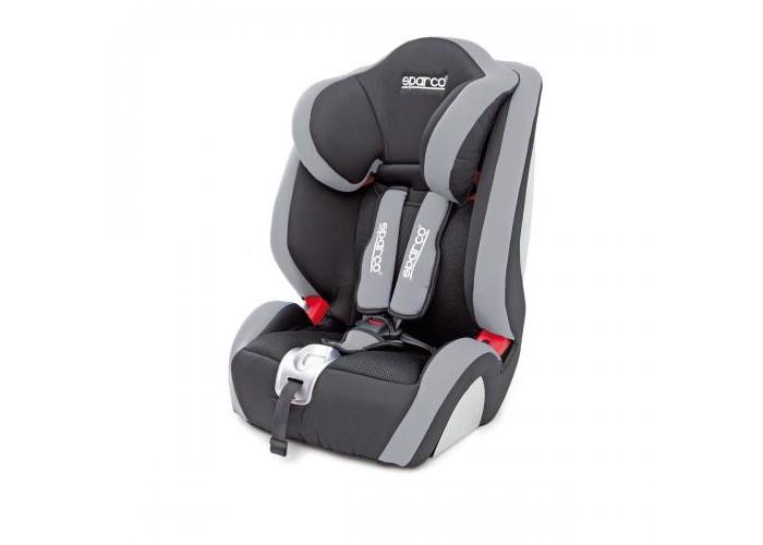 Автокресло Sparco F1000KF1000KДетское автокресло Sparco F 1000 K - предназначенное для перевозки детей от 9 месяцев примерно до 9 лет (весом от 9 до 36 кг).   Особенности: Автокресло имеет узнаваемый спортивный стиль, характерный для итальянских дизайнеров Sparco. Для малышей в автокресле предусмотрены специальные ортопедические вставки, снижающие нагрузку на позвоночник.  Внутренние 5-точечные ремни и подголовник Sparco F1000K легко регулируются по высоте, подстраивая автокресло под растущего ребенка. Преимуществом автокресла Sparco F 1000 K является большой внутренний объем, позволяющий разместить в нем ребенка любой комплекции, а также система откидывания за счет выдвигаемого из-под сидения упора. Мягкая приятная на ощупь обивка обладает гипоаллергенными свойствами, не вызывая раздражений. Предлагается также модификация с комбинированной обивкой из экокожи и перфорированной алькантары.  Обивка легко снимается для стирки, в том числе автоматической при температуре 30 градусов. Sparco F 1000 K соответствует Европейскому стандарту ECE R 44/04, гарантируя высокий уровень безопасности.  Каркас автокресла выполнен их специального не колющегося при аварии пластика, который поглощает энергию удара, защищая ребенка от травм и ушибов. Крепление автокресла в автомобиле осуществляется при помощи штатного 3-точечного ремня безопасности. Для правильной фиксации предусмотрены специальные направляющие.<br>