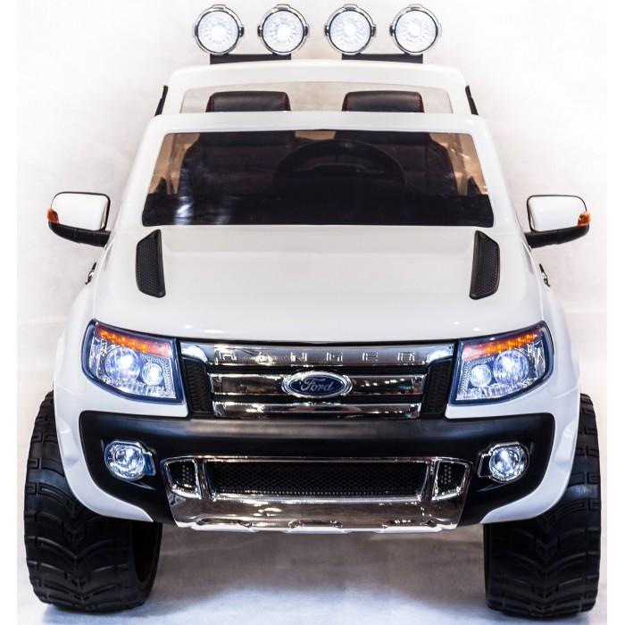Электромобиль Toyland Ford RangerFord RangerЭлектромобиль Toyland Ford Ranger для ребенка от 1 года до 8 лет развивает скорость до 7 км/ч. Открывающиеся двери, огни фар и фонарей, а так же возможность включить свою музыку или радио делают этот электромобиль похожим на такой же, как у взрослых.  Ваше внимание сразу привлечет наличие панели приборов с подсветкой и автомагнитола. На руле имеются кнопки, отвечающие за регулировку громкости данной музыкальной системы, и клаксон. Также вы сможете переключать любимые треки простым нажатием на соответствующую кнопку. Установленная музыкальная система поддерживает карту памяти, также у нее имеется USB-выход, AUX и радиоприемник.  Автомобиль может достичь скорости равной 7 км/ч. Это возможно благодаря мощному аккумулятору 12V/7Ah и двум двигателям по 35W. У модели тщательно проработан вопрос светового оформления. Светодиодные фары машины светятся, как у настоящей. Также имеются габариты и задние фонари.  Всего у автомобиля 3 скорости, из которых: две вперед и одна назад. Их переключение осуществляется с помощью пульта ДУ, а для плавного набора скорости просто равномерно нажимайте на педаль газа. Радиус действия пульта дистанционного управления составляет 30 м, работает по Bluetooth.<br>