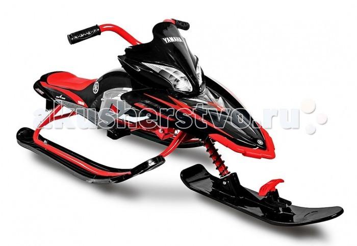 """Снегокат Yamaha Apex Snow Bike TitaniumApex Snow Bike TitaniumПо официальной лицензии Yamaha Motors Japan. Прогрессивный дизайн - вне конкуренции! В этой модели улучшено все, для того, чтобы ребенок чувствовал себя более комфортно и безопасно на снегокате Apex. А его схожесть с мотобайком не оставит равнодушным ни одного юного гонщика! Это понятно- ведь:"""" Мой Apex так похож на папин снегоход Yamaha Apex! И теперь мы сможем покорять снежные дороги вместе!""""  Снегокат Apex как маленькая копия взрослого снегохода идеально повторяет все внешние детали и покоряет своим сходством.  Apex способен развивать нужную скорость, но в тоже время отвечая безопасности, легко и быстро тормозят.  Высокий удобный руль обеспечит безопасное управление снегокатом на самых сложных горках и вершинах.  Длинные устойчивые карвинговые лыжи """"Twin Tip""""с загнутыми носами с обеих сторон способны ехать по любым поверхностям - по снежному или обледенелому склону. Их форма позволит ехать вперед-назад и разворачиваться при торможении на месте. Они обеспечат устойчивость и безопасность в любой ситуации. Благодаря карвинговой форме лыж Ваш малыш сможет контролировать управление снегокатом. На боковых лыжах - специальные пластиковые зубцы, с которых нога ребенка не соскользнет при катании.  Мощный стальной амортизатор на передней вилке поможет сгладить все неровности снежных спусков.  Более длинное мягкое сиденье из искусственной кожи создаст повышенный комфорт при езде на снегокате.  Буксировочный трос с рукояткой наматывается и легко и просто закрепляется на переднюю лыжу снегоката.  Надежный ножной тормоз никогда не подведет.  Передняя пластиковая панель прочно установлена на рулевой вилке, обладает аэродинамичными формами и защитит Вашего ребенка от встречного ветра. А наклейки в виде фар на панели создадут реалистичный вид снегоката, так похожего на папин снегоход.  Ручки на руле - из мягкой резины с рисунком в виде снежинок. Высокое качество полностью соответствует названию Yamaha.  Apex покорит со"""