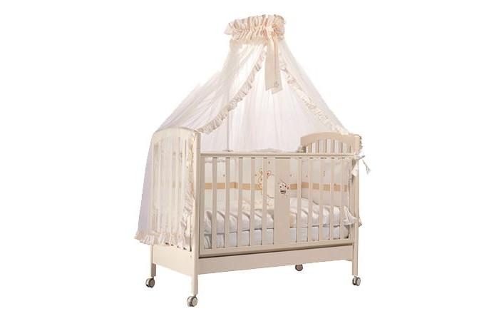 Детская кроватка Feretti RicordoRicordoДетская кроватка Feretti Ricordo подойдет Вашему малышу.  Красивый и оригинальный дизайн порадует вас и вашего малыша. Кроватка изготовлена из массива бука. При изготовлении используются только натуральные и нетоксичные лаки, краски и клей.  Особенности: Рейки обеспечивают надежное крепление матрас Два уровня положения дна Две регулирующийся стенки Механизм регулировки борта одной рукой Бортики снабжены силиконовыми накладками Выдвижной ящик для постельного белья или игрушек Съёмные, самоцентрирующиеся колеса, снабжены 2 тормозами Украшена аппликацией<br>