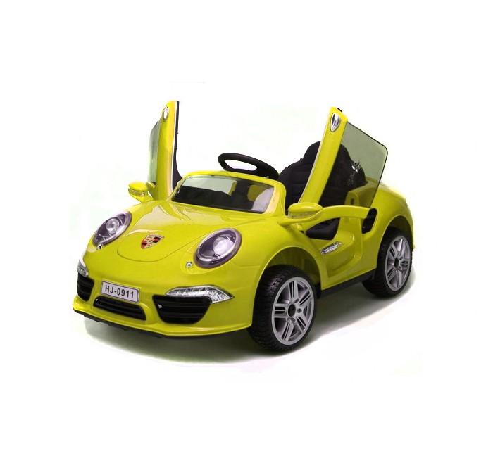 Электромобиль 1 Toy Порше 911Порше 911Электромобиль 1 Toy Порше 911 со световыми и звуковыми эффектами. Управляемый автомобиль - это самая желанная игрушка для мальчиков. Машинка имеет максимально реалистичный вид, выполнена в ярких, привлекательных цветах, что делает её ещё более интересной. Машина оснащена звуковыми сигналами и музыкальным сопровождением. Во избежание проблем с эксплуатацией модель сопровождается подробной инструкцией на русском языке.  Особенности: размер 120 X 69 X 50см МР3 регулировка громкости музыка свет 2 скорости открывание дверей аккумулятор 2 х 6 В/4,5Ач мотор 2 х 25 Вт качели свет в колесах.<br>