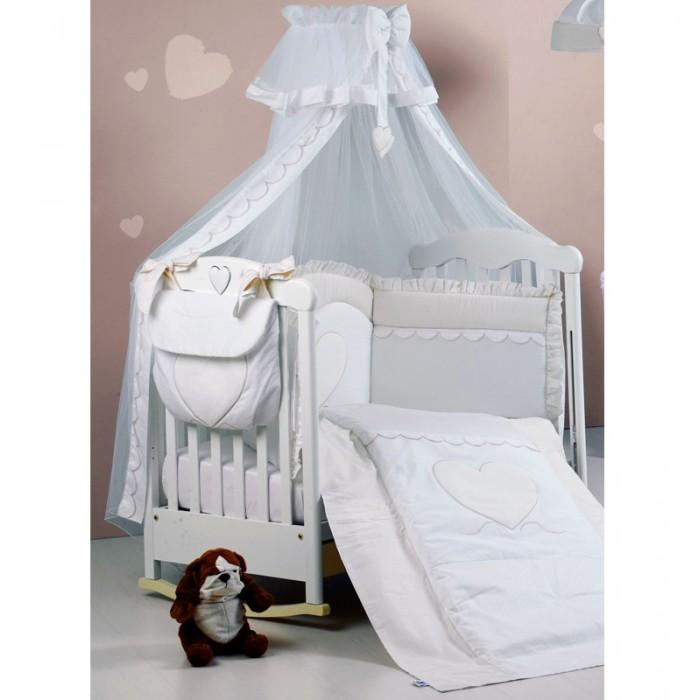 Комплект в кроватку Roman Baby Cuore di Mamma (5 предметов)Cuore di Mamma (5 предметов)Комплект постельного белья Roman Baby Cuore Di Mamma - элегантный сет от итальянского производителя. Белье сшито из 100% хлопка, украшено красивыми аппликациями в виде сердечка. На этом постельном белье малыш будет видеть только сладкие сны, а его сон будет спокойным и продолжительным.   Особенности: - Изготовлено только из натуральных гипоаллергенных материалов, с использованием нетоксичных красителей; - Белье можно стирать при температуре не выше 30 гр в режиме бережной стирки; - Белье выдерживает многочисленные стирки, не теряя своего внешнего вида; - Украшено красивыми аппликациями в виде сердечка;  В комплекте: - Одеяло - Пододеяльник - Наволочка 40 х 60 см - Подушка 40 х 60 см - Бортик на половину кроватки Материал: 100% хлопок<br>