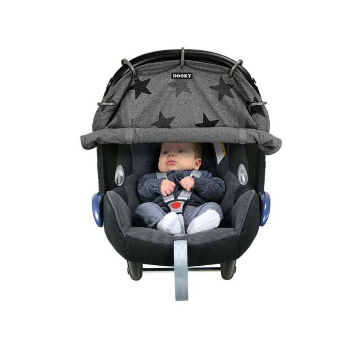 Xplorys Защитная накидка на коляску и автокресло Dooky DesignЗащитная накидка на коляску и автокресло Dooky DesignXplorys Защитная накидка на коляску и автокресло Dooky Design защитит малыша от вредного воздействия солнечных лучей, ветра, насекомых и любопытных взглядов прохожих. Специальные кольца позволяют легко и быстро закрепить накидку на капюшоне коляски или автокресла, а благодаря липучкам, длину накидки можно регулировать, предоставляя малышу достаточный обзор или укрывая его для сна на прогулке.    Особенности: универсальность: подходит для коляски, автокресла, люльки   длина накидки регулируется   защищает ребенка от дождя, ветра, солнечных лучей и посторонних взглядов   идеально подходит для торговых центров, поликлиник и других людных мест, поскольку защищает ребенка от излишних впечатлений и создает комфортную обстановку для сна   прекрасный вариант для использования за городом, где новорожденный много времени проводит на открытом воздухе   коэффициент УФ-защиты UPF40 + (блокирует более 97% вредных UVA и UVB лучей)   состав: 100% хлопок, прекрасно пропускает воздух<br>