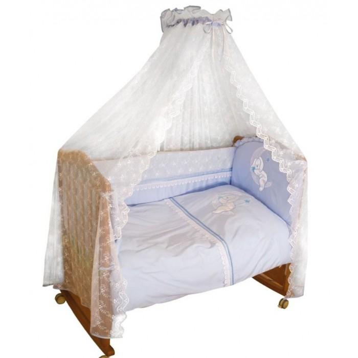 Комплект в кроватку Сонный гномик Лунный Зай 120х60 (7 предметов)Лунный Зай 120х60 (7 предметов)Коллекцию постельного белья «Лунный ЗАЙ» отличает роскошный кружевной балдахин. Комплект предназначен для кроватки 120х60 см.   Превосходный дизайн, сочетающий классический стиль, роскошь и уют  состав ткани: великолепный сатин, 100% хлопок  отделка ручной работы шитьём, мягкими бантами и вышитой аппликацией  деликатные швы, рассчитанные на прикосновение к нежной коже ребёнка  бельё сертифицировано, полностью безопасно и гипоаллергенно  высокий бортик со съёмными чехлами для более лёгкой стирки на весь периметр кроватки  наполнитель бортика ПериоТек плотностью 400  большой балдахин из роскошного кружева  цвет: нежно бежевый  бортик подходит для кроваток размером 120х60см   В подушке и одеяле мы используем самый совершенный наполнитель высокосиликонизированное полое спиральноизвитое микроволокно ХоллоТек. При производстве ХоллоТека. использована уникальная технология, позволяющая практически полностью прочесать волокна и получить наполнитель настолько пышный, невесомый и в то же время удивительно тёплый, что сравнить его можно только с натуральным лебяжьим пухом. Благодаря низкой миграции волокон, одеяло и подушку можно стирать неограниченное количество раз, не боясь сваливания наполнителя. Они очень легко отстирываются и быстро сохнут. Использование ХоллоТека позволяет избежать переноса микрофауны и до минимума снизить риск возникновения аллергических реакций.    Бортик 360 см (раздельный на 4 стороны со съёмными чехлами, высота 50см, синтепон, 120х60см)  Балдахин (сетка с вышитым по всей поверхности узором, сатин, 180х500см)  Наволочка 40х60см  Пододеяльник 110х140см  Простыня 140х100см  Одеяло (110х140см, Лебяжий Пух ПЭ 100%)  Подушка (40х60см, Лебяжий Пух ПЭ 100%)  Ткань: сатин 100 % хлопок<br>
