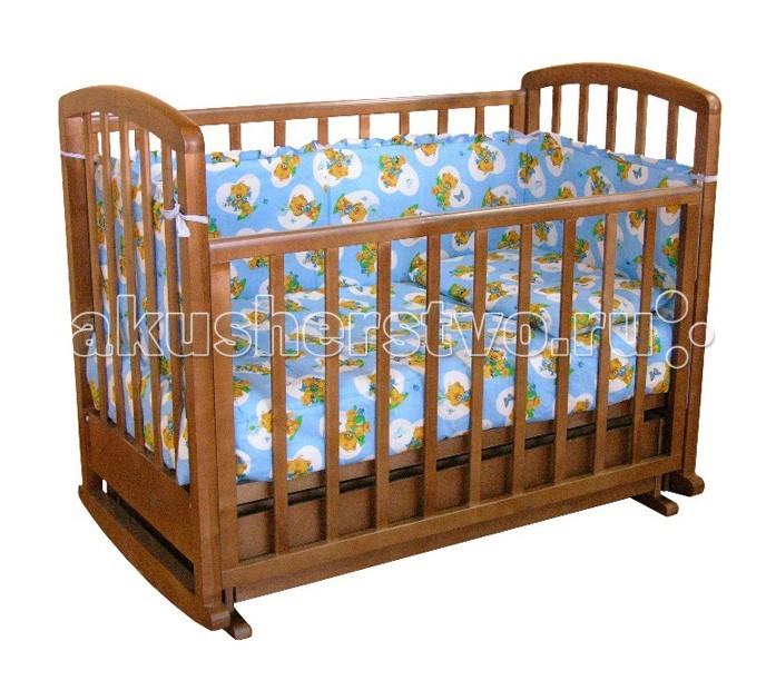 Детская кроватка Фея 611 поперечный маятник611 поперечный маятникДетская кроватка Фея 611 поперечный маятник  Модель изготовлена из натурального материала сбезвредным лакокрасочным покрытием.   Механизм автостенки позволяет опускать боковую стенку одной рукой. Имеет прочную, легко собираемую конструкцию.Бортики кроватки оснащены пластиковыми накладками, которые предусмотрены для прорезывающихся зубов ребенка.  Особенности: Два положения ложа  Выдвижной ящик  Автостенка - механизм опускания одной рукой  Маятниковый механизм поперечного качания  Накладки ПВХ<br>