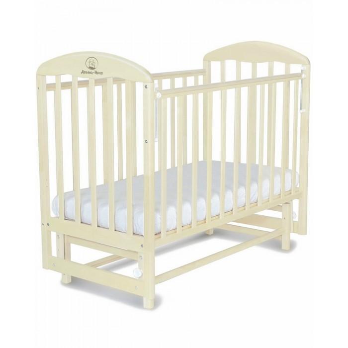 Детская кроватка Альма-Няня Венеция (поперечный маятник)Венеция (поперечный маятник)Альма-Няня Кровать Венеция (поперечный маятник) элегантная модель, выполненная в классическом стиле, который прекрасно сочетается практически с любым интерьером.   Кроватка изготовлена из массива дерева и покрыта безопасными для ребенка красителями и лаками. Модель снабжена автостенкой, регулируемым по высоте ложем, полозьями для качания и колесиками, которые при необходимости можно снять.  Особенности:  классический стиль изготовлена из натуральных материалов ортопедическое ложе 2 уровня ложа по высоте автостенка поперечный маятниковый механизм с фиксатором накладки ПВХ на бортиках 4 съемных колесика со стопорами материал - массив березы, ПВХ размер спального места - 120 х 60 см размер (ДхШхВ) - 125 х 72 х 115 см для детей от рождения до 3 лет<br>