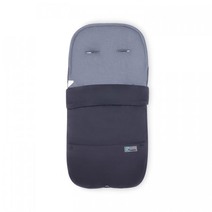 Демисезонный конверт Altabebe Microfibre AL2400Microfibre AL2400Altabebe Летний конверт AL2400 - легкий и мягкий, удобен в весенние, осенние и прохладные летние дни.   В теплые дни верхнюю часть конверта можно легко отстегнуть. Оставшуюся часть можно использовать как подкладку на сиденье в прогулочной коляске. Внешняя обшивка изготовлена из ветрозащитного и водонепроницаемого полиэстера. Конверт удобно застегивать при помощи застежки-молнии. Конверт имеет противоскользящие резиновые шарики, прикрепленные к задней части.  Особенности: для детей от 12 до 36 месяцев; ветрозащитный и грязеотталкивающий внешний материал обеспечивает защиту от ветра, холода и мелкого дождя, сохраняет температуру ребенка на комфортном уровне; наружный материал изготовлен микрофибры: синтетического волокна из нитей тоньше волоса; можно снять верхнюю часть полностью и использовать в качестве игрового коврика на улице; дополнительной функцией является уменьшение пространства, сидя в коляске (или на сиденье автомобиля), ребенок займет более стабильное положение; отверстия для ремней безопасности спроектированы таким образом, чтобы конверт подходил для любых типов колясок; конверт имеет противоскользящие резиновые шарики, прикрепленные к задней поверхности; сотовая структура обеспечивает правильную циркуляцию воздуха, что уменьшает потоотделение и дает идеальный баланс температуры; благодаря плетеному волокну, ткань растягивается под действием веса тела и точно облегает тело в областях с наибольшим напряжением: плечи, спина, низ; можно стирать при температуре до 30°.  Размеры (дxшxв): 90 x 45 x 4 см.<br>