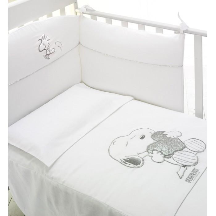 Комплект в кроватку Baby Expert Snoopy (4 предмета)Snoopy (4 предмета)Комплект в кроватку Baby Expert Snoopy (4 предмета) - гармоничное сочетание стиля и нежности, которые создадут для вашего малыша уютную атмосферу, наполненную теплом и уютом.   В комплекте: легкое стеганое одеяло: 70х100 см (наполнитель - синтепон) пододеяльник - 100х130 см мягкий бампер на завязках: 195х40 см наволочка: 40х60 см. Белье и одеяло - допускается стирка в стиральной машине при 30 градусах (режим для деликатных тканей).<br>