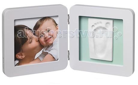 Baby Art Набор Рамочка двойная с подложкойНабор Рамочка двойная с подложкойРамочка с отпечатком «Print Frame» от компании «Baby Art» - это особый подход к созданию очаровательного подарка на память для этого особого периода жизни, с картинкой и отпечатком ручки или ножки Вашего ребенка.   Материал: полимерная масса, деревянная рамка Размер рамки: 18 x 19 x 1 см<br>