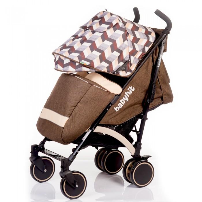 Коляска-трость BabyHit RainbowRainbowКоляска-трость Rainbow - качественная модель, достойный конкурент именитых брендов. Качественная рама и литые колеса, достаточно большие для коляски-трости. Передние колеса поворотные с возможностью фиксации. Складывается коляска легко, одним движением и выглядит очень компактной.   В комплекте с чехлом на ножки коляска является отличным транспортным средством в межсезонье. Материалы обивки прочные, легко чистятся и не выгорают на солнце. Капюшон глубокий, опускается до бампера.  Особенности коляски-трости: Прогулочная коляска-трость предназначена для детей от 6-ти месяцев до 3-х лет. Спинка сиденья регулируется для комфортного отдыха ребенка. 5-ти точечные ремни безопасности надежно удержат малыша на месте. Бампер предназначен для дополнительной безопасности, снимается при необходимости. Подножка регулируемая. Капюшон-батискаф опускается вплоть до бампера. Чехол для ножек, москитная сетка и дождевик входят в комплект. 6 колес: передние одинарные, задние сдвоенные. Передние поворотные колеса с возможностью фиксации в положении прямо. Все колеса амортизированы. В сложенном виде коляску легко переносить с помощью удобной ручки. Коляска автоматически блокируется при складывании. Корзинка для покупок расположена в нижней части коляски.  Размеры и вес: Размеры коляски в разложенном виде: 85/43/108 см. Ширина сиденья: 35 см. Высота спинки: 47 см. Глубина сиденья: 25 см. Длина подножки: 13 см. Размер спального места при поднятой подножке - 85 х 35 см.  Вес коляски - 7,4 кг.  В комплекте: Чехол для ножек Дождевик Москитная сетка Корзинка для покупок Сумка (нет в комплекте у колясок в расцветках: бежевый, голубой, малиновый).<br>