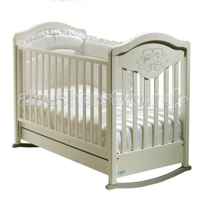 Детская кроватка Baby Italia Gioco Lux качалка cо стразамиGioco Lux качалка cо стразамиДетская кроватка Baby Italia Gioco Lux качалка cо стразами, для детей от рождения до 3-х лет. Изготовлена только из натуральных природных материалов, а именно из массива бука и покрыта нетоксичным лаком.   Для большей функциональности детская кроватка Gioco Lux оснащена вместительным выдвижным ящиком для постельных принадлежностей или игрушек.   Основные характеристики кроватки Baby Italia Gioco Lux: изготовлена из массива бука  покрытие - нетоксичный лак  опускающаяся боковая стенка  два уровня положения дна  выдвижной ящик  декор с кристаллами Swarovsky  качалка  прорезиненные колеса<br>